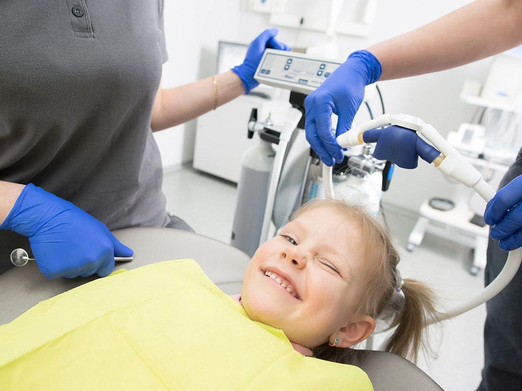Fluoryzacja - sposób na ochronę zębów